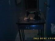 Продам швейную машинку Kohler со столом,  дореволюционную