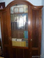 Антиквариат. Книжный шкаф-горка